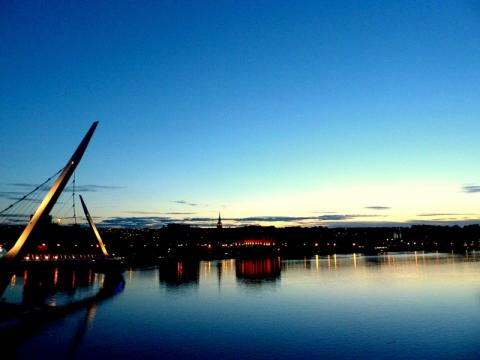 Peace Bridge v Derry